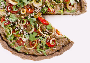 Raw vegan quiche pizza